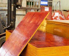 高低层都使用的红面建筑模板