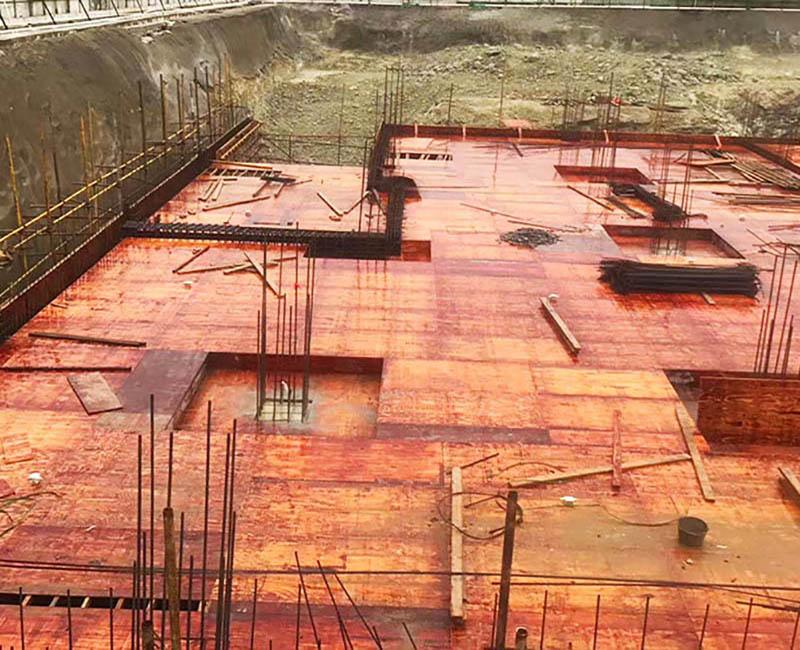 建筑模板在工程中使用